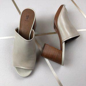 NIB Frye Blake Leather Off-White Block Heel Mule